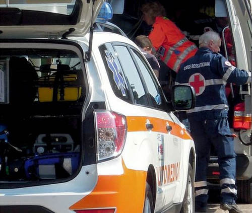 Automedica - 118 - Croce Rossa - Incidente