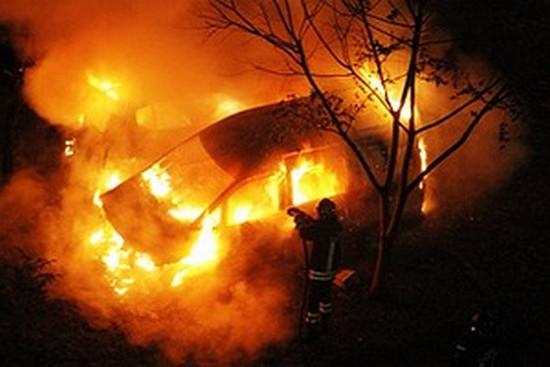Vigili del Fuoco - Auto incendiata