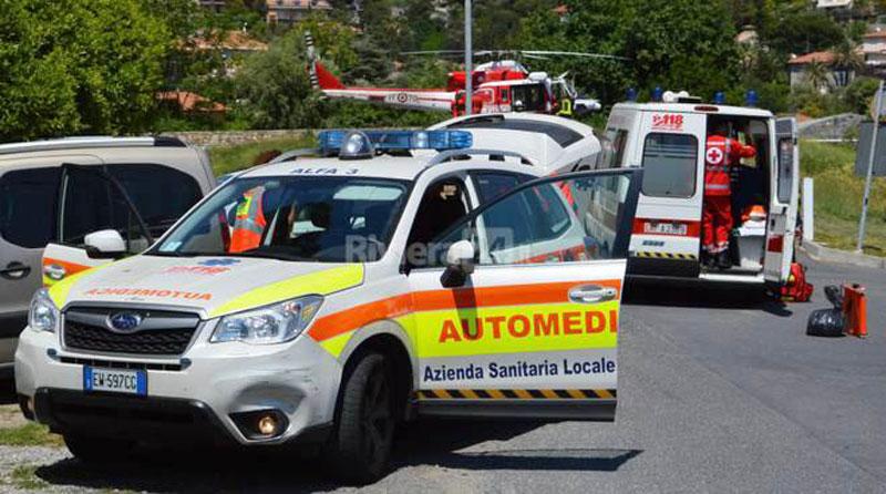 Elisoccorso dei vigili del fuoco 115 e ambulanza 118