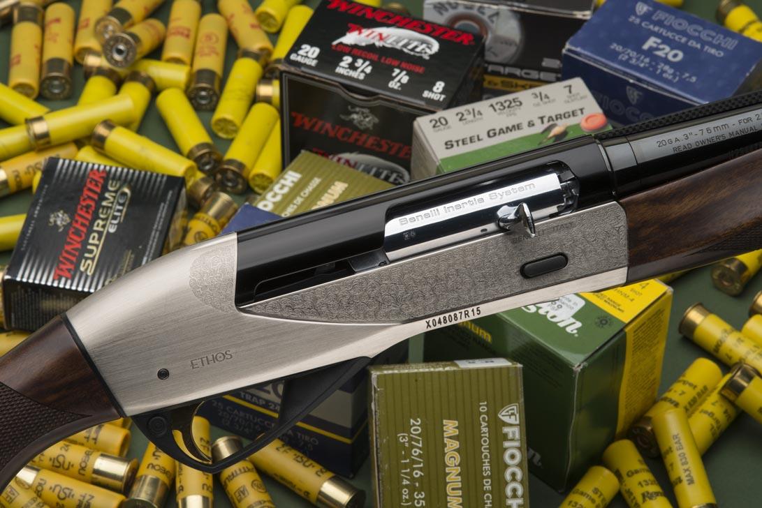 Il Raffaello Ethos cal.20 è un semiautomatico di alta gamma, un fucile elegante, leggero, sportivo e ben bilanciato