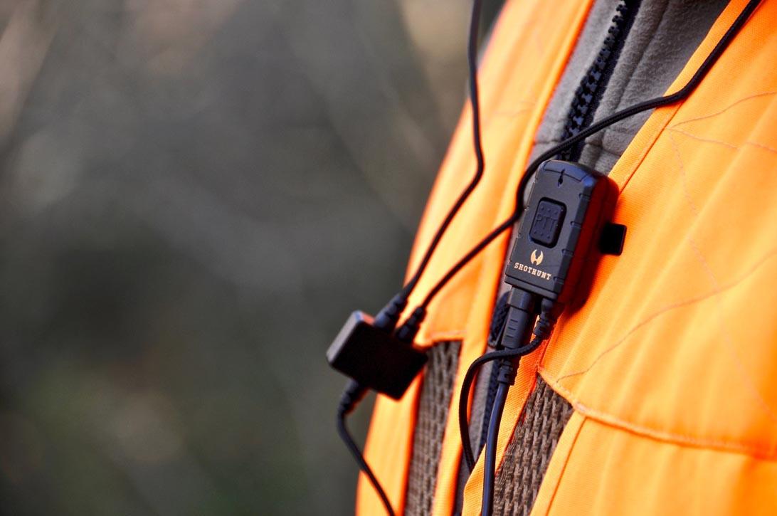 Gli auricolari Shothunt hanno la possibilità di essere collegati wireless alla radio.