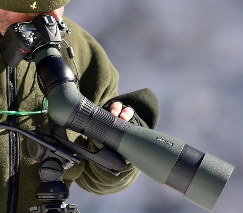 Digiscopers in azione con fotocamera reflex
