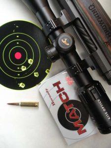 La rosata di cinque colpi ottenuta al poligono di Carrù (CN) alla distanza di 300 m inscrivibile nel cerchio di 58 mm (0,69 MOA) o nel rettangolo di 48x53 mm. Cartucce Hornady Match con palla ELD® Match da 147 gr